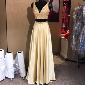 Sherri Hill Gold Prom Dress 0